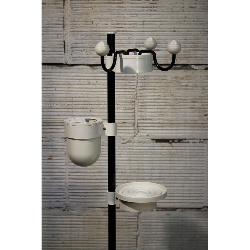 salle de bain anne 70 les meilleures idees la categorie salle bain coloree sur les meubles le. Black Bedroom Furniture Sets. Home Design Ideas